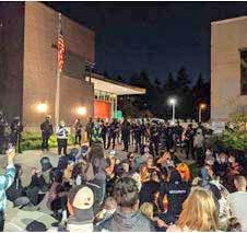 Protestas Masivas Antirracistas Continúan en Seattle, Portland (USA)